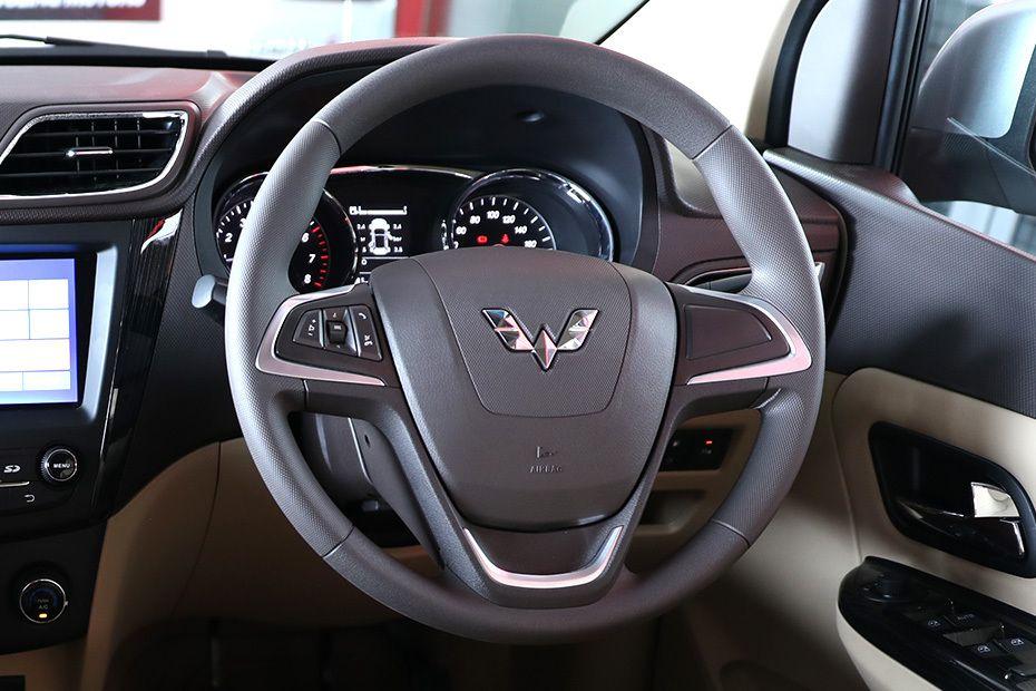 wuling-confero-steering-wheel-105543